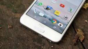 بررسی HTC One A9