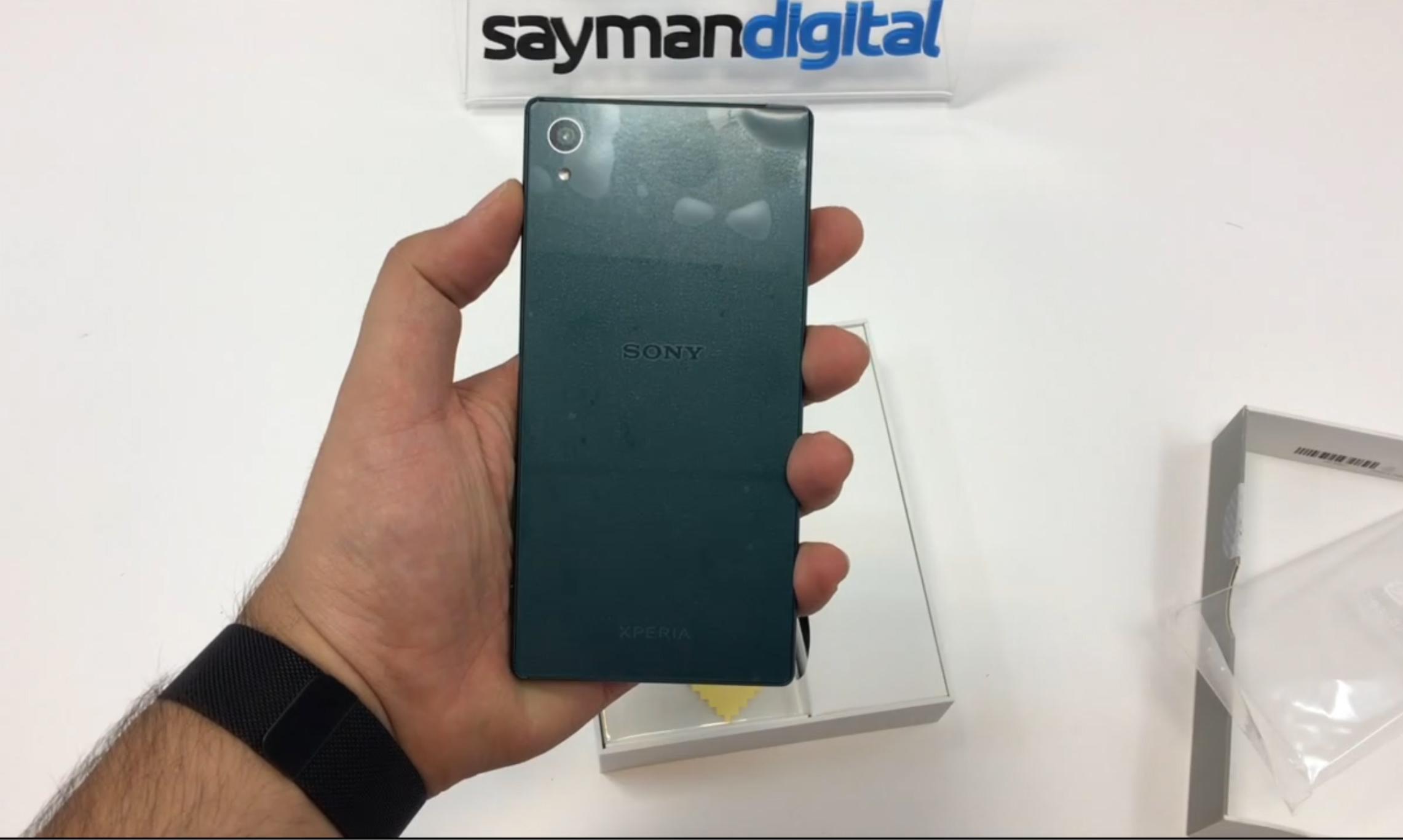 ویدیو آنباکس Sony Xperia Z5