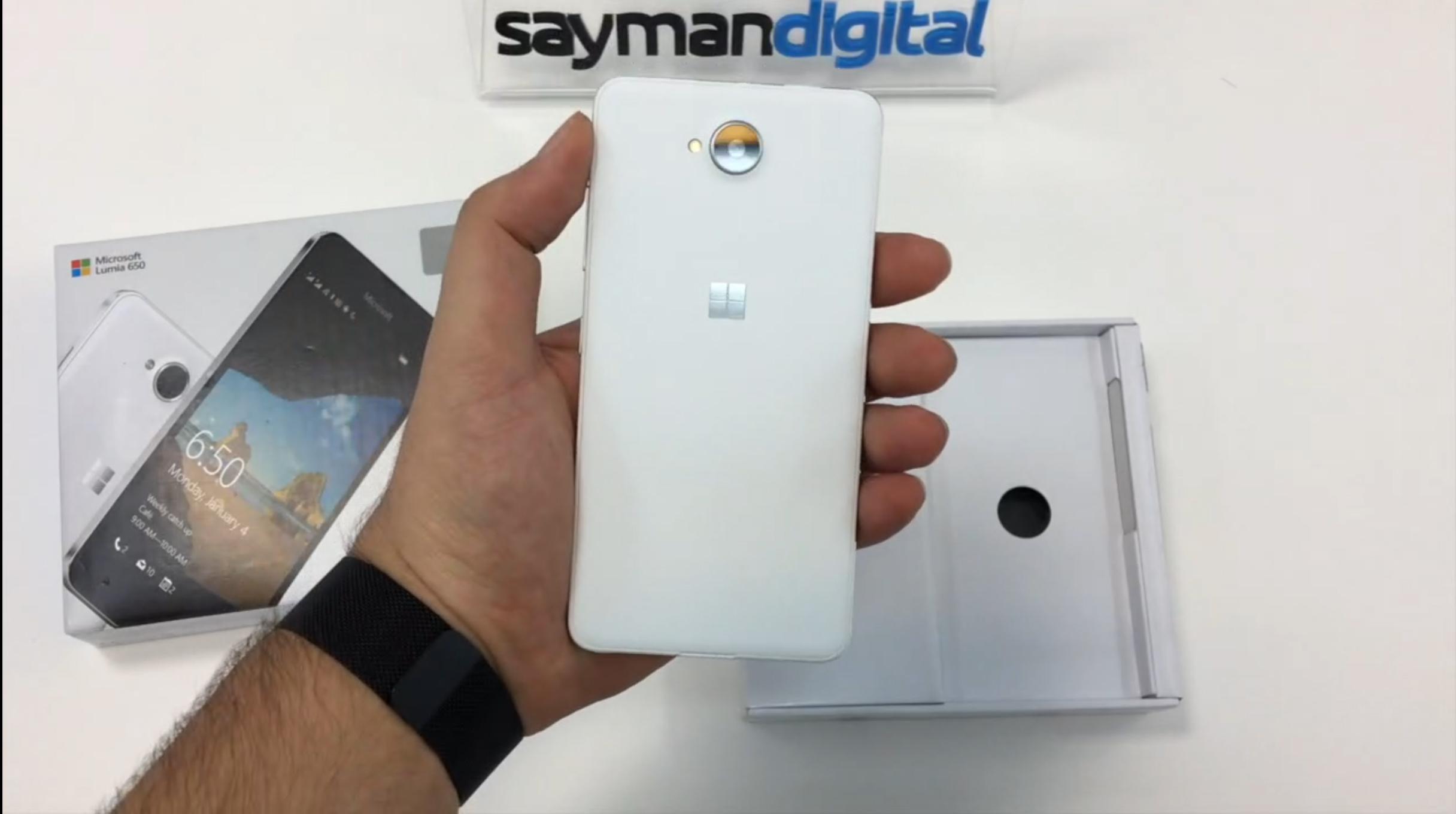 آنباکس Microsoft Lumia 650