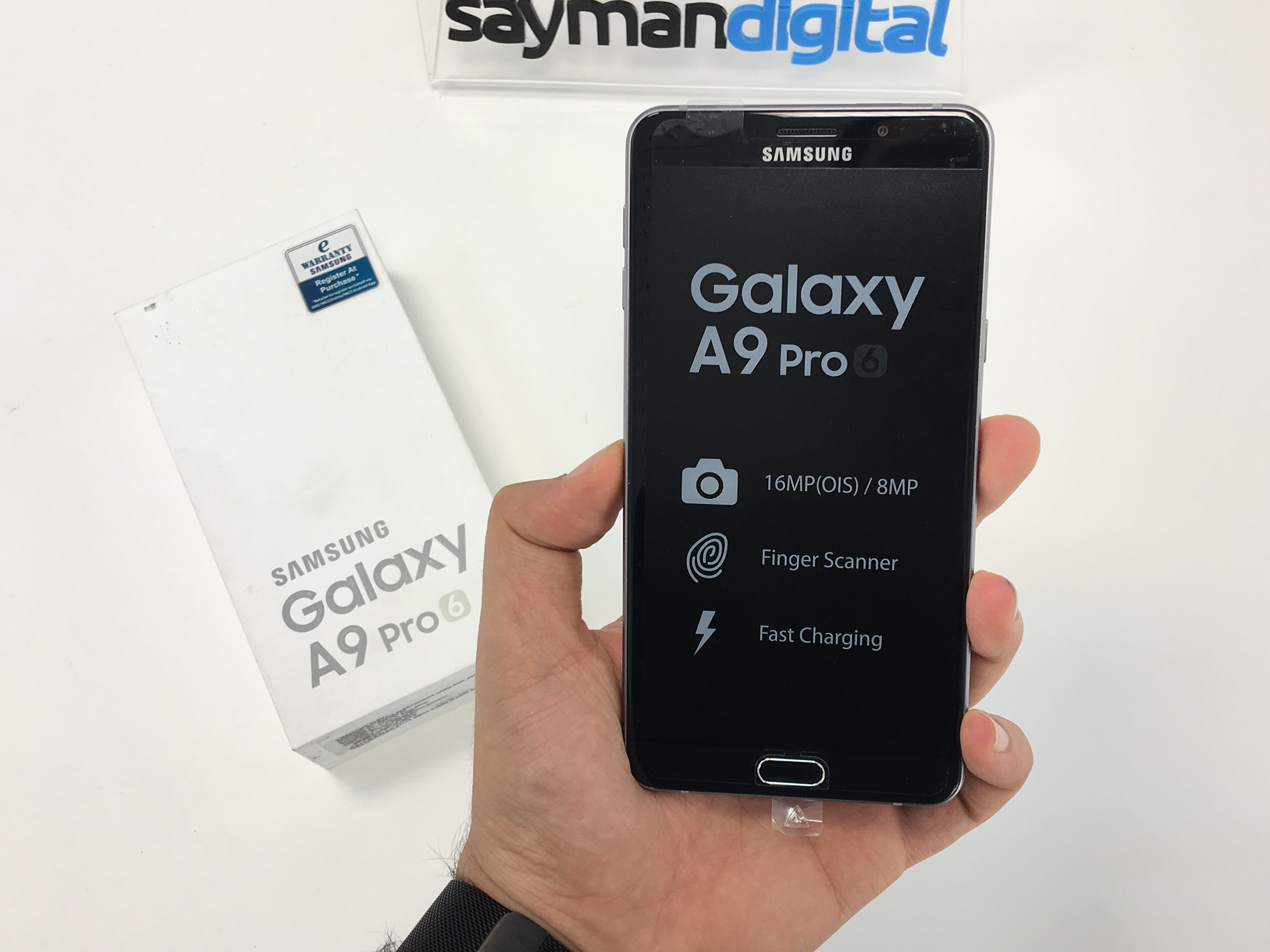 ویدیو آنباکس Galaxy A9 Pro