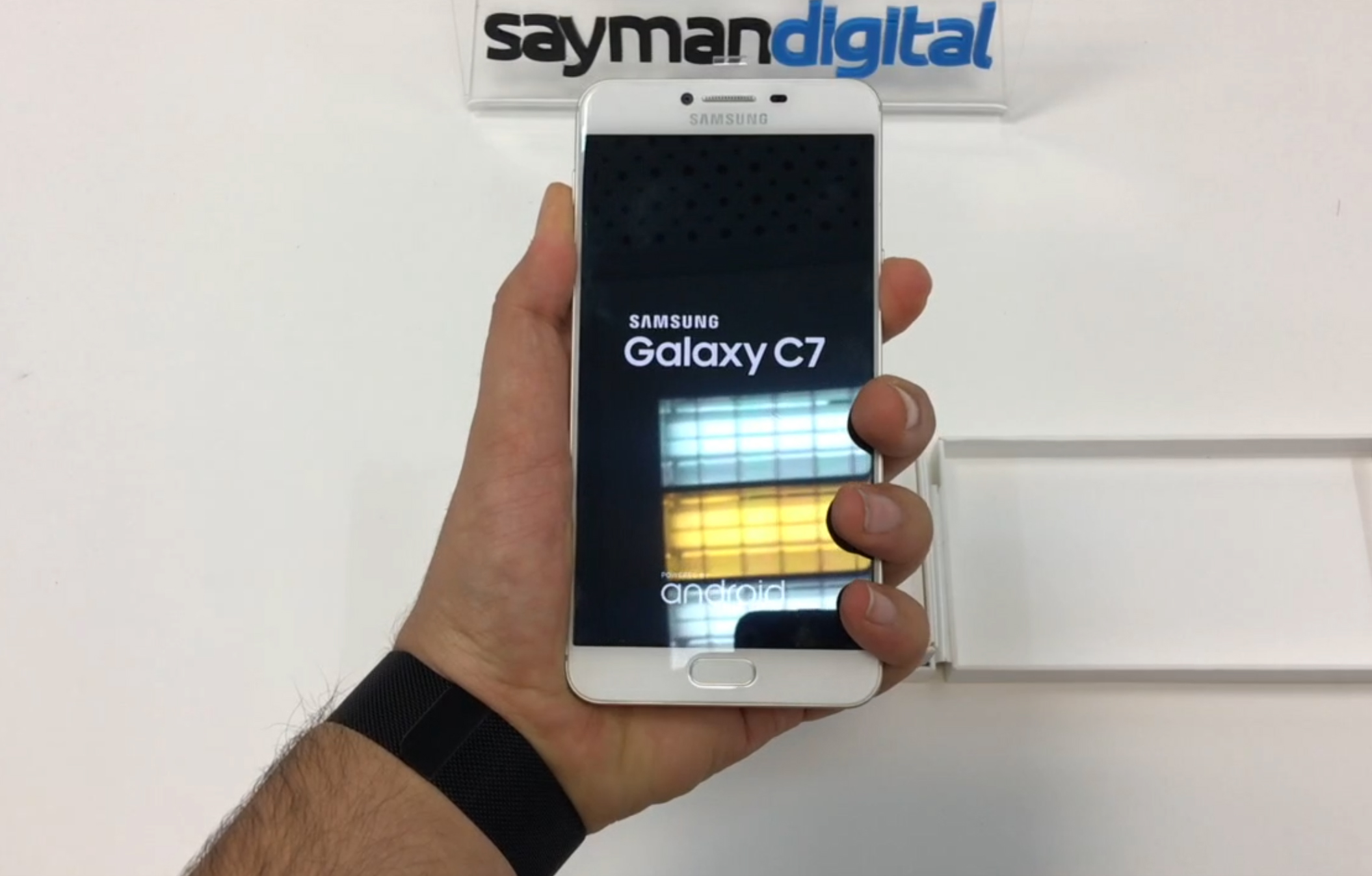 ویدیو آنباکس Samsung Galaxy C7
