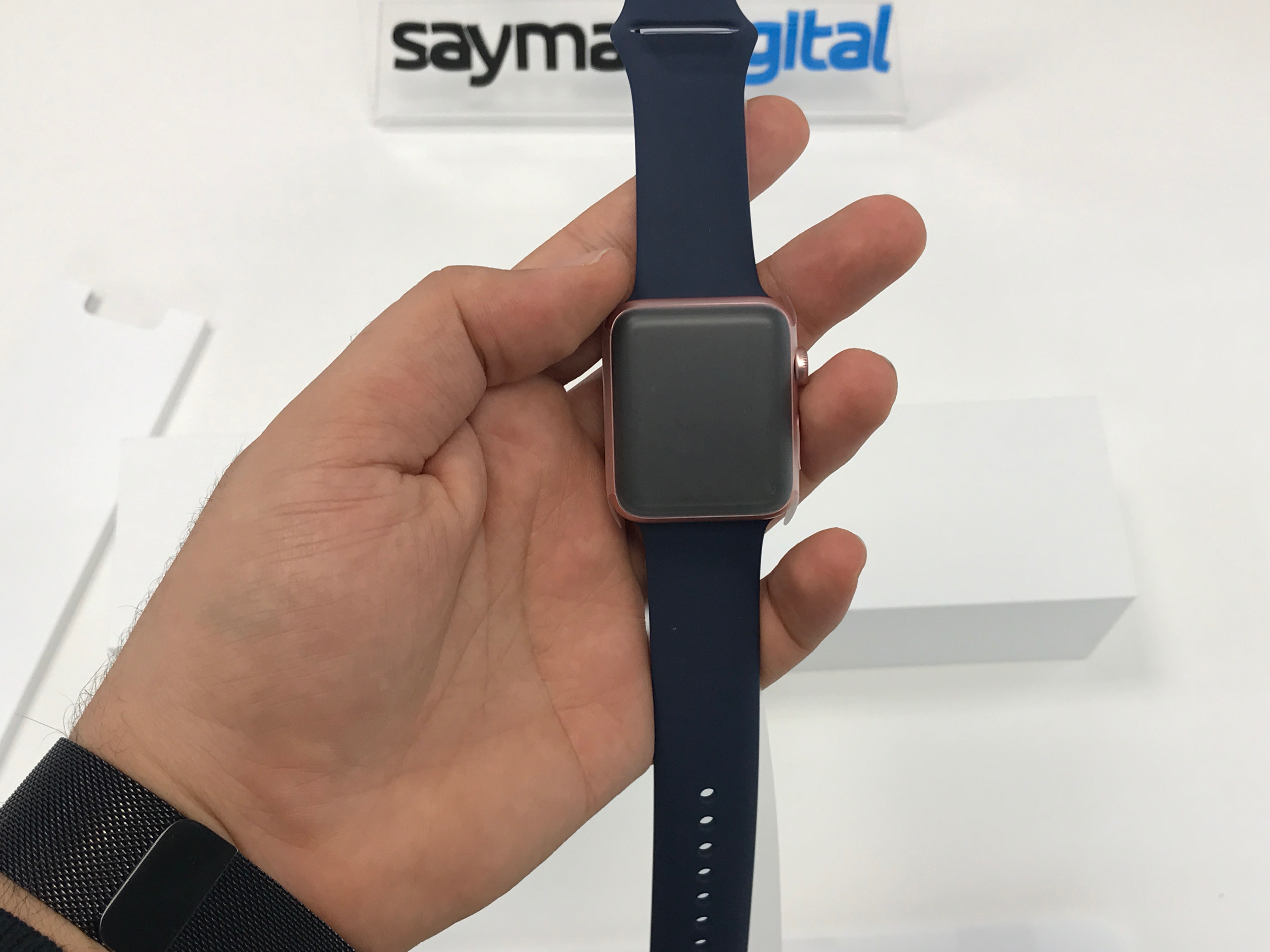 unboxing-apple-watch-series-2