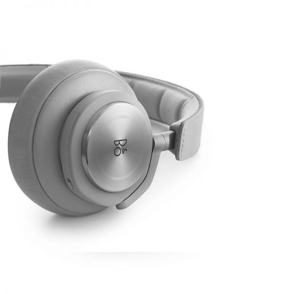 Bang and Olufsen Beoplay H7 Headphones
