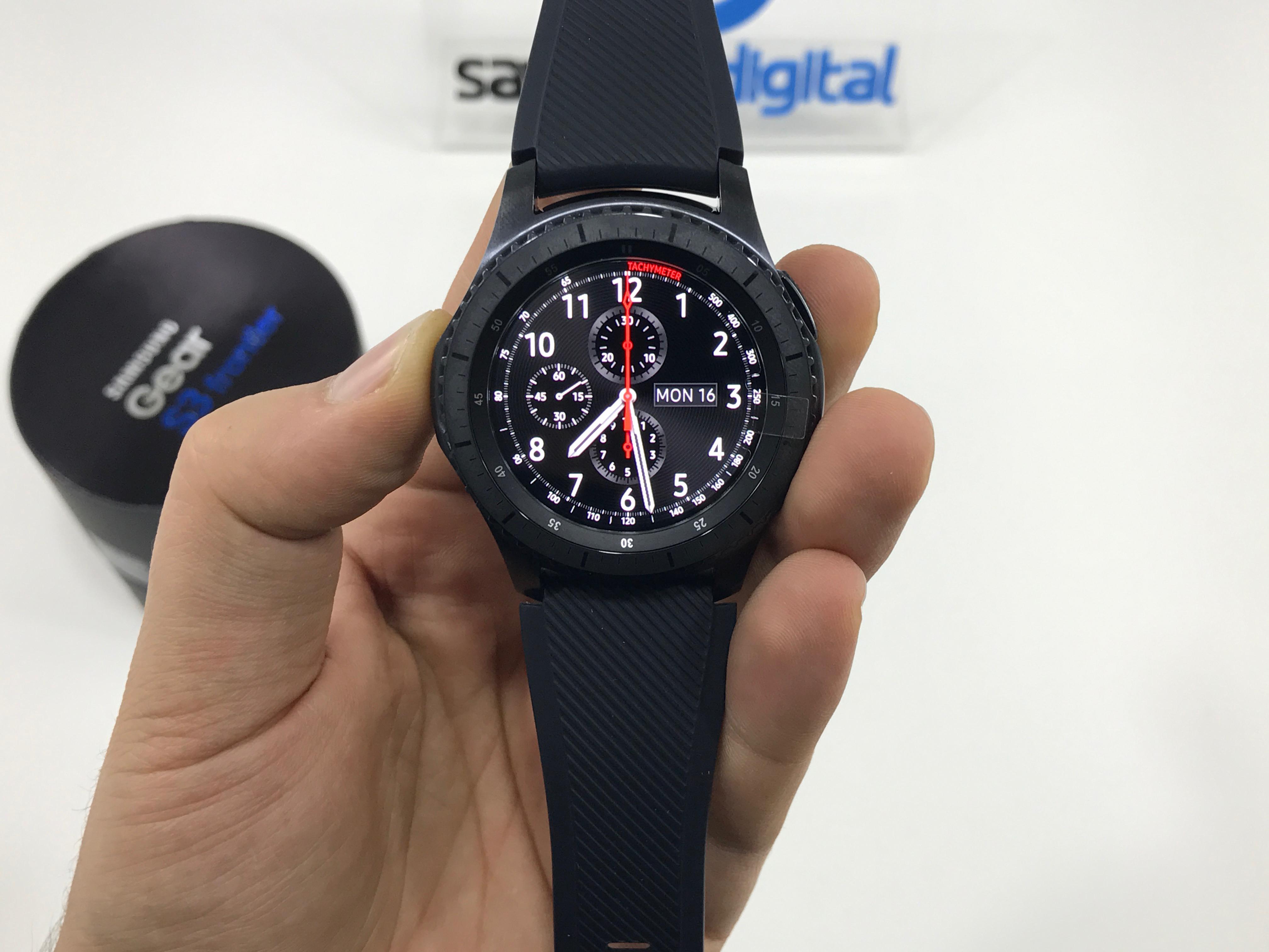 Samsung-Gear-S3-Frontier-Unboxing-