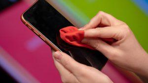 تمیز کردن نمایشگر گوشی