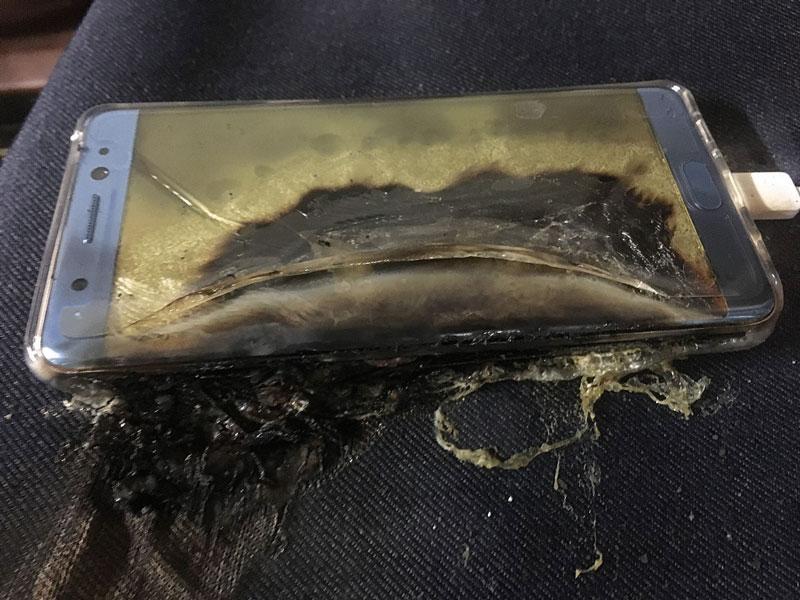 انفجار سامسونگ نوت 7 در  هنگام شارژ