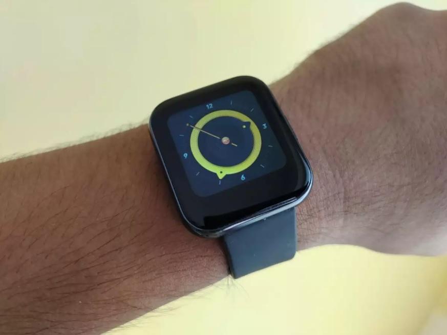 صفحه نمایش ساعت هوشمند ریلمی واچ