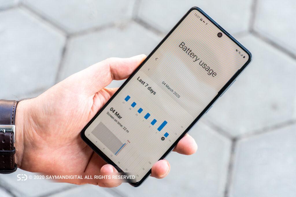 گلکسی A71 در مطلب بهترین گوشی های ۲۰۲۰ از نظر باتری