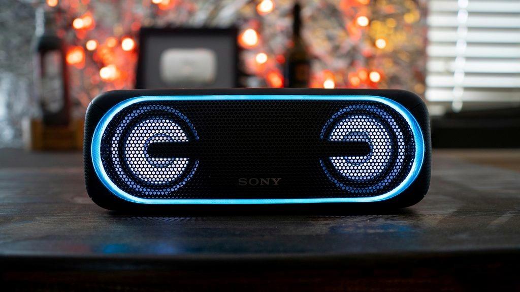 اسپیکر SONY SRS-XB40 در معرفی بهترین اسپیکرهای بلوتوثی