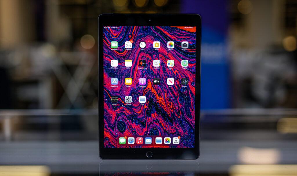 نمایشگر آیپد ۱۰.۲ اینچی 2020
