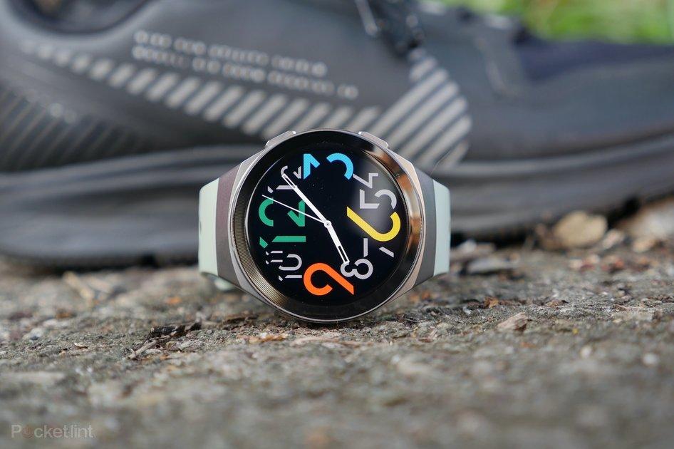 هواوی جی تی ۲ ای در مطلب بهترین ساعت های هوشمند سال ۲۰۲۰