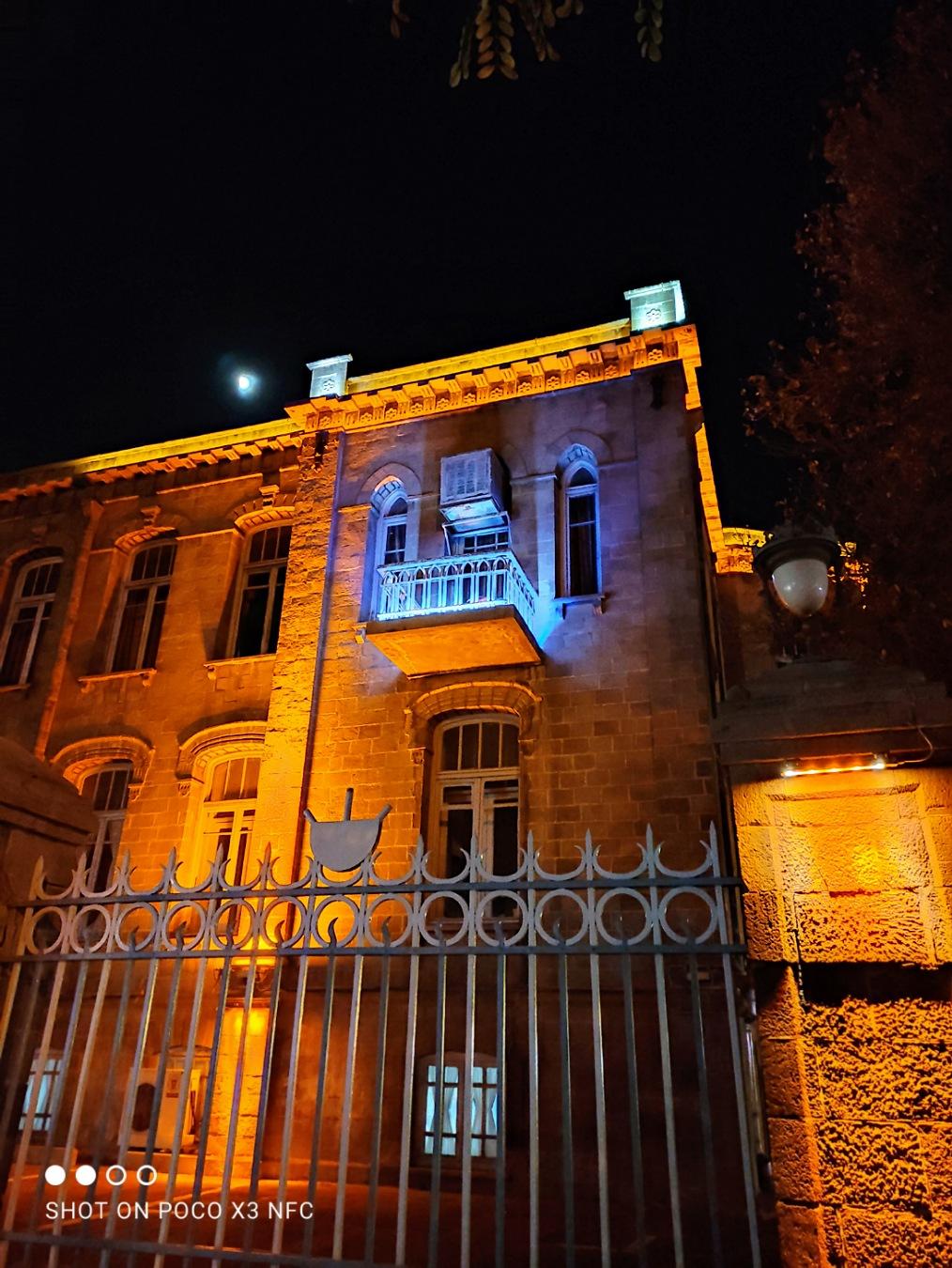دوربین اصلی پوکو ایکس ۳ در شب با نایت مود خاموش