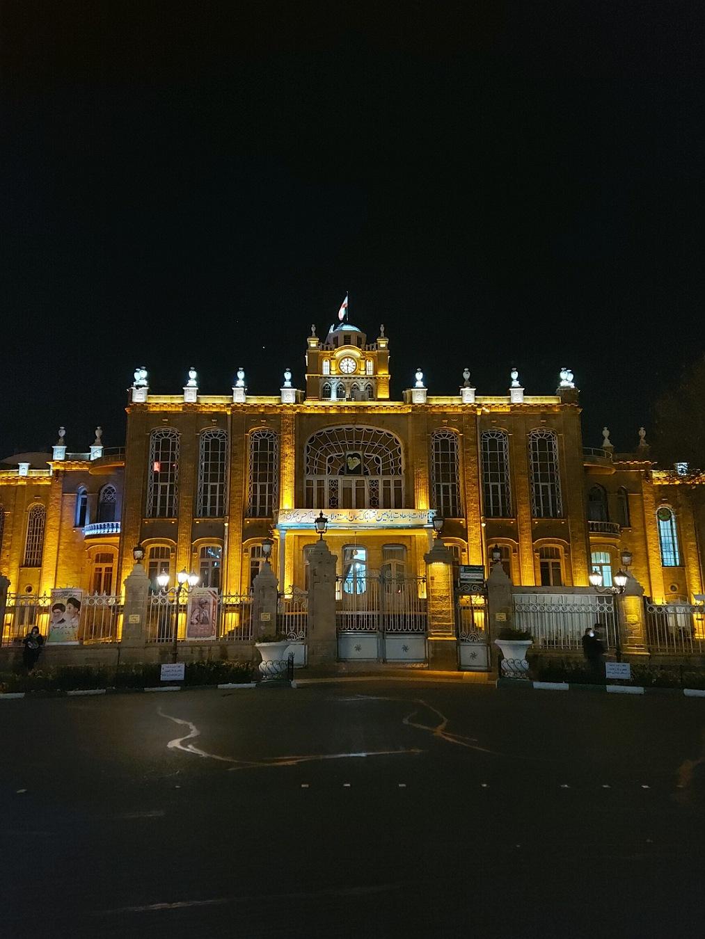 دوربین اصلی گلکسی A71 در شب با نایت مود خاموش