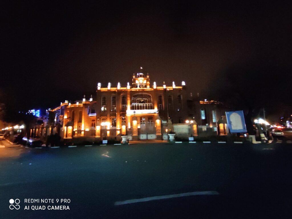 دوربین اصلی نوت ۹ پرو در شب
