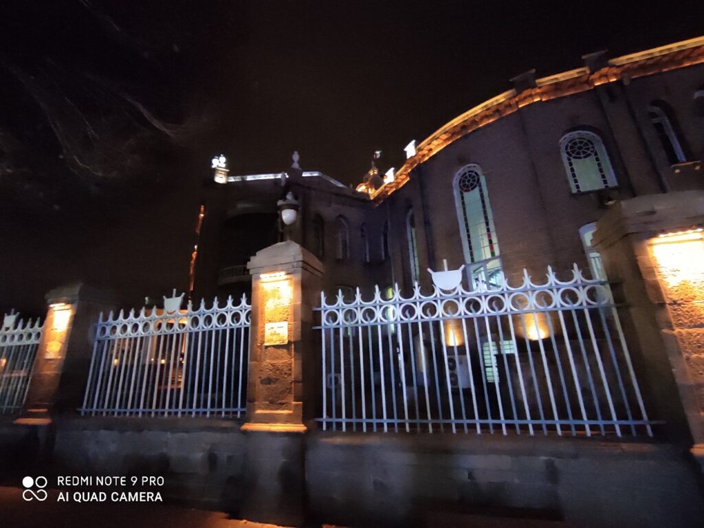 دوربین فوق عریض نوت ۹ پرو در شب