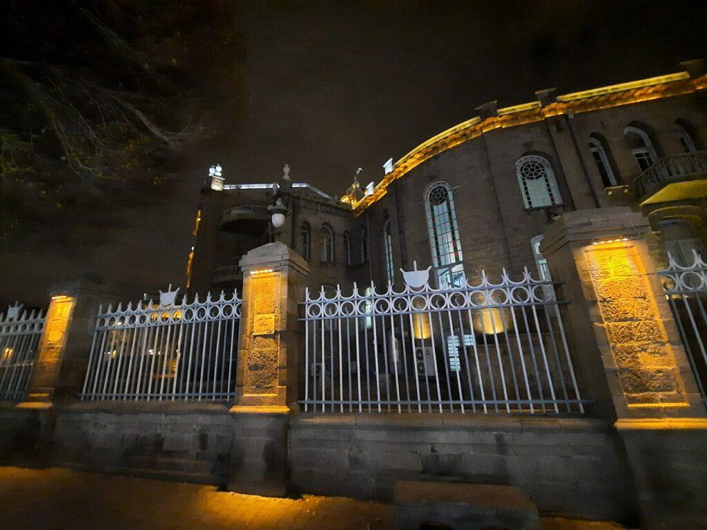 دوربین فوق عریض A51 در شب