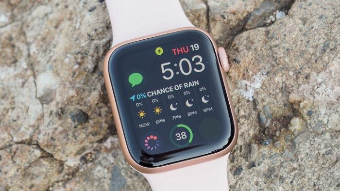 اپل واچ سری ۵ در مطلب بهترین ساعت های هوشمند سال ۲۰۲۰