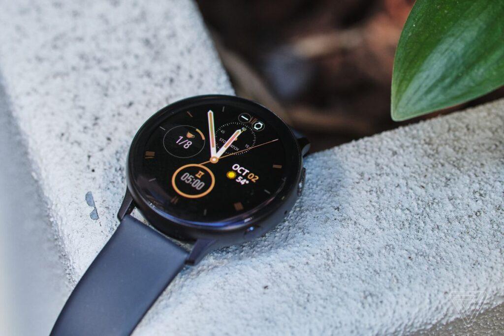 گلکسی واچ اکتیو ۲ در مطلب بهترین ساعت های هوشمند سال ۲۰۲۰