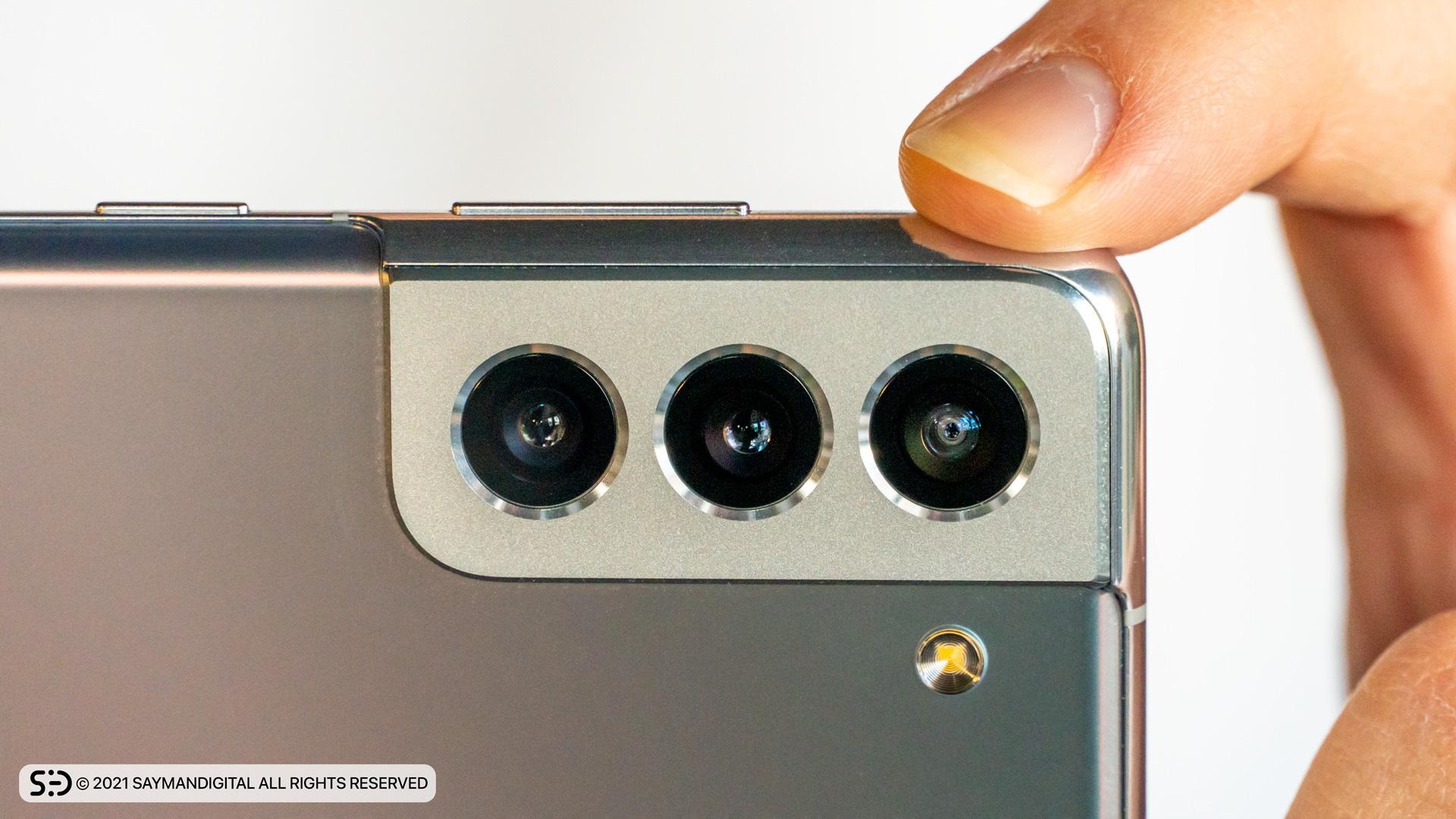 چیدمان لنز دوربینها