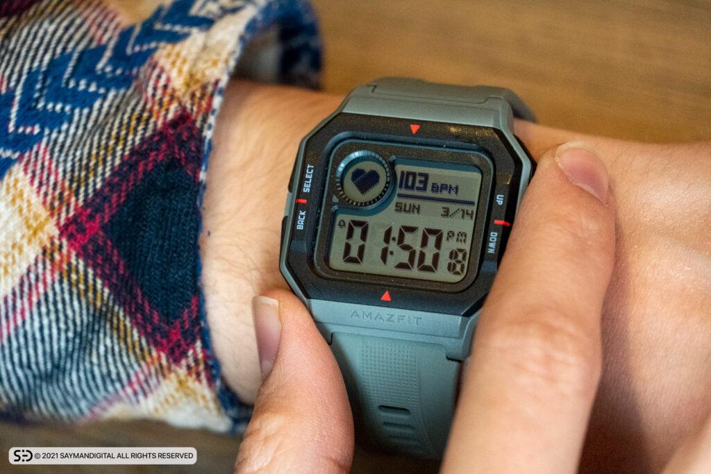 کاربرد دکمههای اطراف ساعت