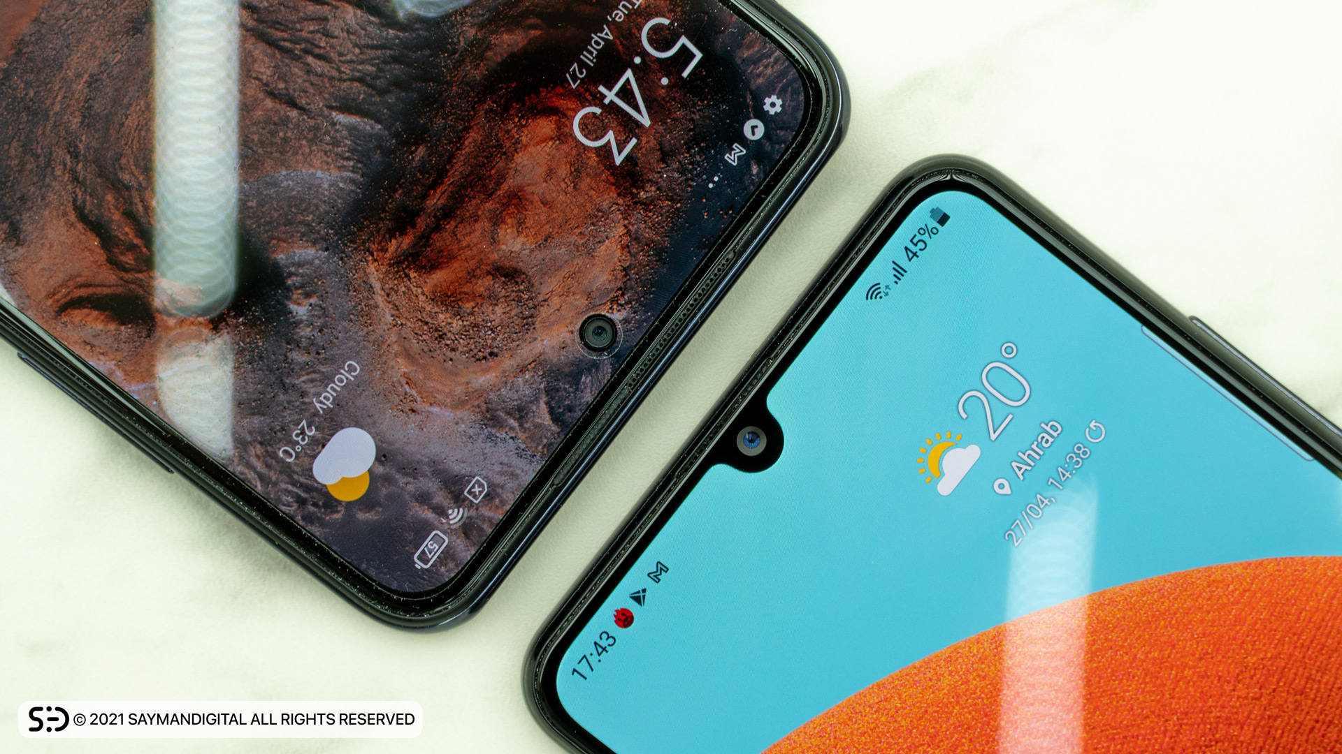 مقایسه نمایشگر دو گوشی در مطلب ردمی نوت 10 بخریم یا A32