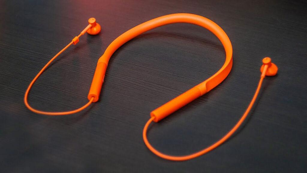 هدفون بی سیم شیائومی مدل Mi Bluetooth Neckband Earphones Basic در مطلب هدفون یک میلیونی