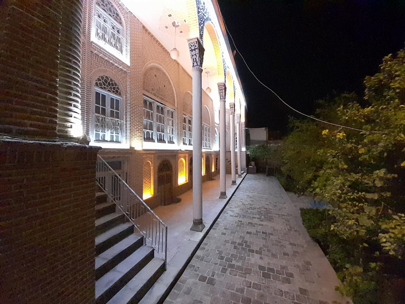 نمونه عکس دوربین فوق عریض گلکسی M12 در شب
